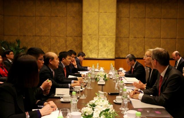 Bà Bộ trưởng Sigrid Kaag và Thứ trưởng Nguyễn Văn Công hội đàm, thống nhất sẽ thúc đẩy hợp tác hai bên lĩnh vực GTVT, đặc biệt là hàng không, hàng hải, vận tải thủy nội địa…