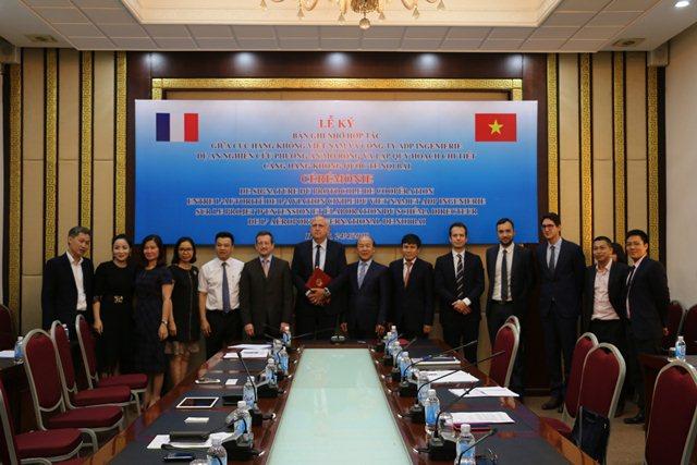 Nghiên cứu nâng công suất sân bay Nội Bài lên 80 - 100 triệu khách/ năm